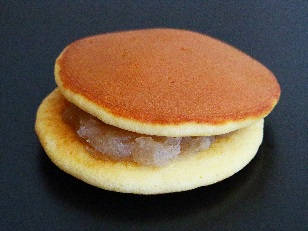 かむろ,和菓子,箕面市,みのお,どら焼き,三笠,林檎,りんご,果肉,